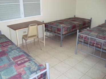 Habitación de tres camas.
